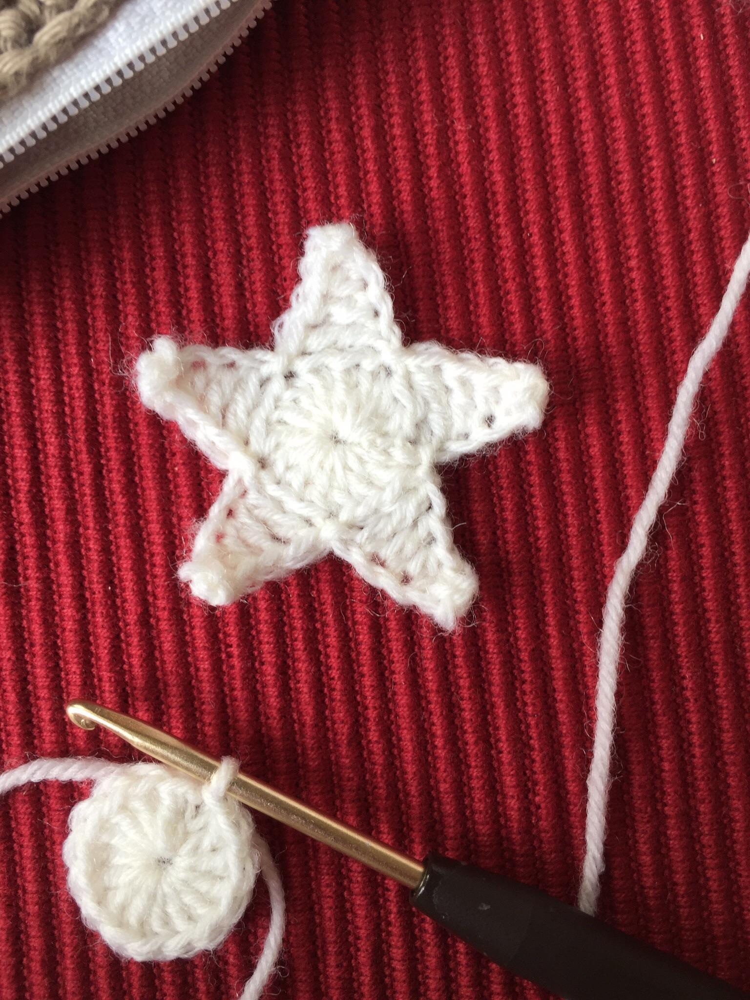 Sternengirlande mit Häkelanleitung – valentinahaekelt – Noch ein ...